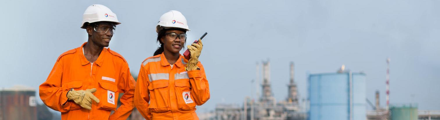 Employees on Djeno site in Congo - Exploration & Production - Total