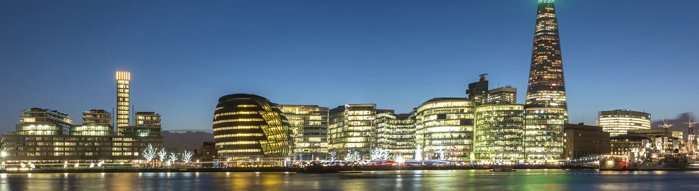 London and Thames panoramic view by night - Exploration Production - Total