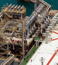 Loading of liquefied natural gas in the 'Al Gattara' LNG tanker on the Qatar jetty - Exploration Production - Total