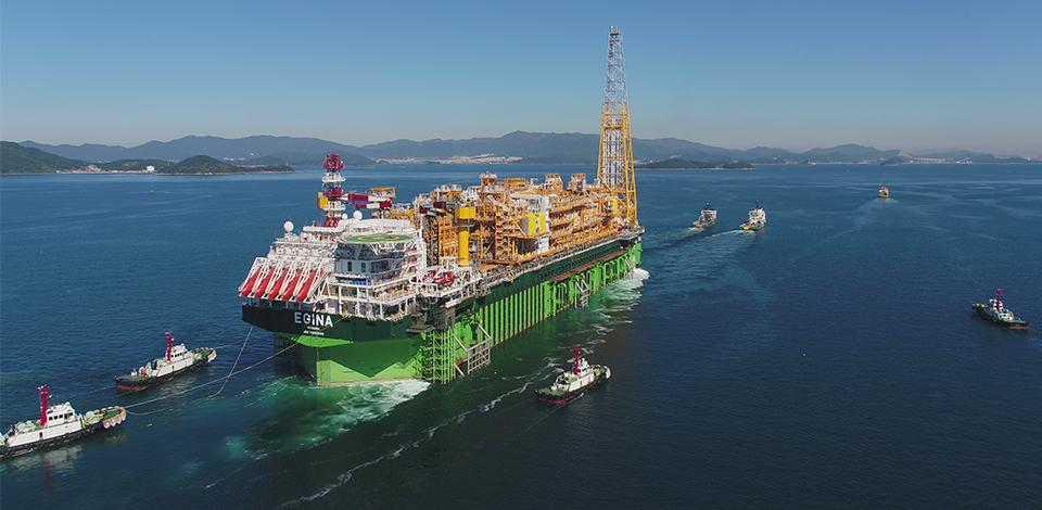 The FPSO Egina leaving South Korea to join the block OML 130, Nigeria - Exploration & Production - Total