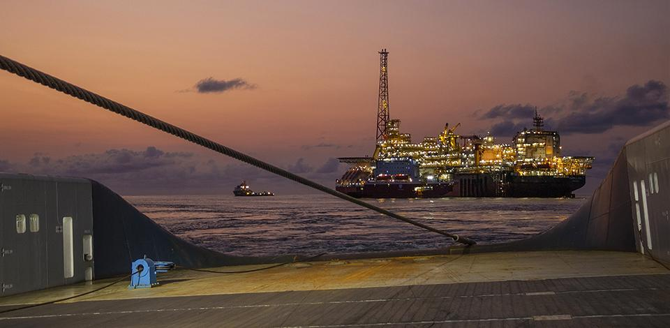 The FPSO Kaombo Sul sailing away for Angola - Exploration & Production - Total