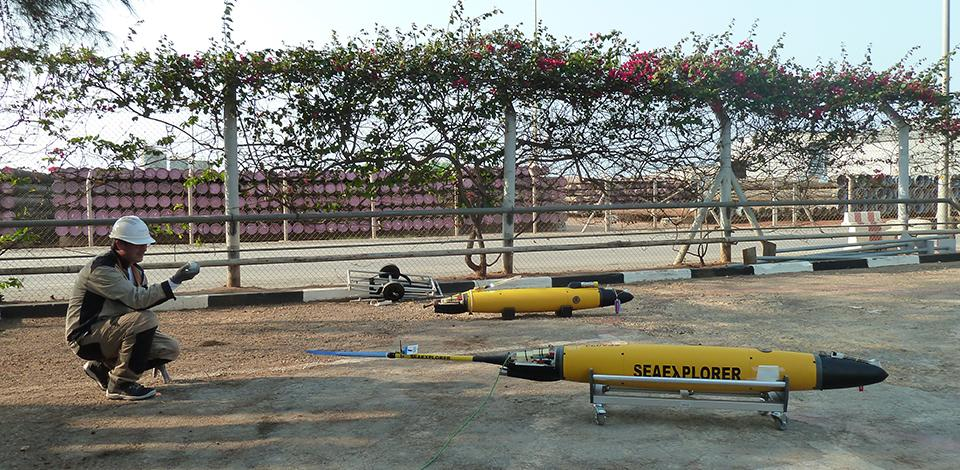 Gliders preparation and calibration before deployment - Exploration Production - Total